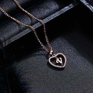 Jewelry - 🔻Rose Gold🔻Letter V🔻Initial Necklace🔻